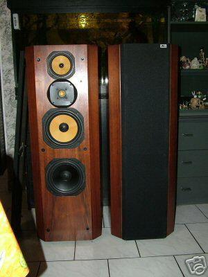 gute boxen ls f r elektronische musik gesucht. Black Bedroom Furniture Sets. Home Design Ideas