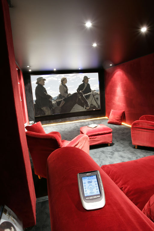 Une Salle De Cinema Privee En Sous Sol Hcfr Forum Magazine