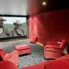 Une salle de cinéma privée en sous-sol …