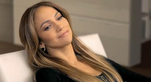Jennifer Lopez dans le clip Harman Kardon