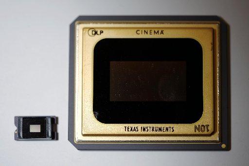 TI-DLP-chips2