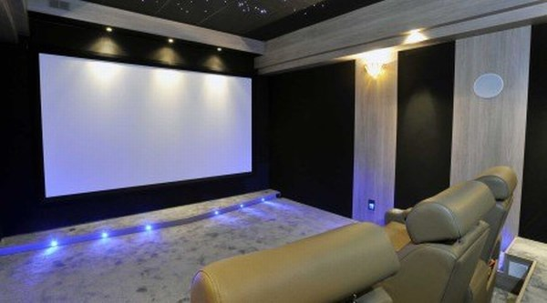 http://www.homecinema-fr.com/wp-content/uploads/2013/12/Ecran_chris.24.jpg