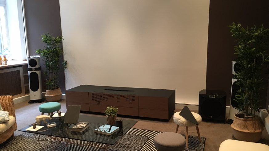 Reportage HCFR – Sony, présentation du projecteur laser_4K_courte focale Sony VPL-VZ1000ES et du lecteur BRD UHD Sony UBP-X1000ES