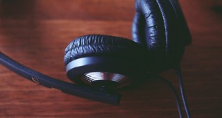 headphones-698816