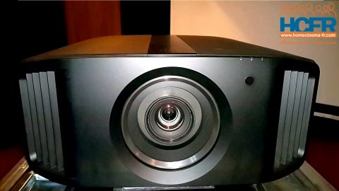 Video unboxing du JVC DLA-N5, projecteur 4K natif, reçu pour test HCFR